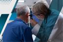 Ухудшение слуха в пожилом возрасте
